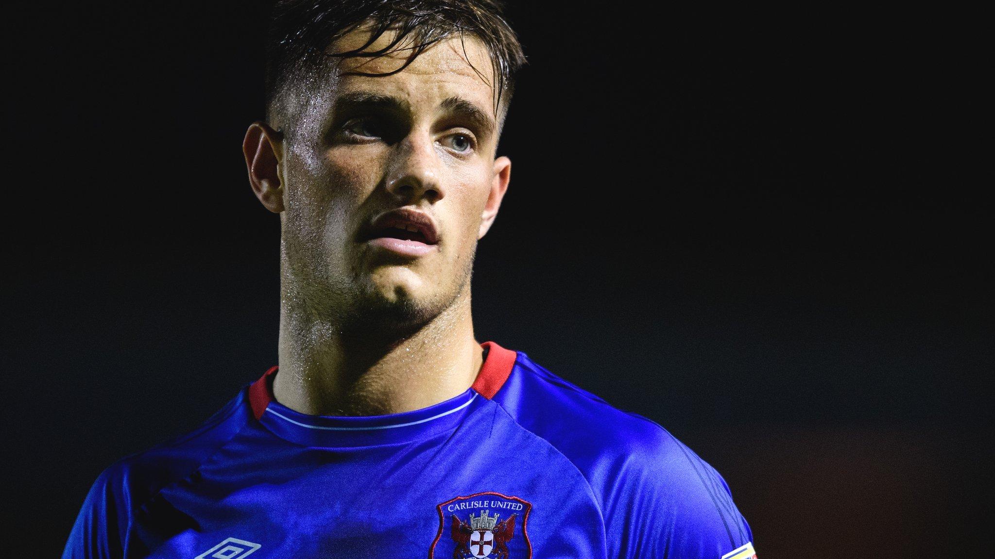 Jerry Yates: Swindon Town sign Rotherham forward on loan