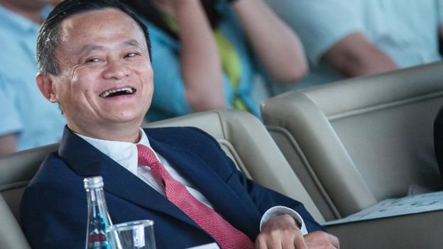 Dikenal sebagai 'Steve Jobs-nya Cina', Jack Ma memiliki hampir 9% raksasa e-commerce Alibaba.