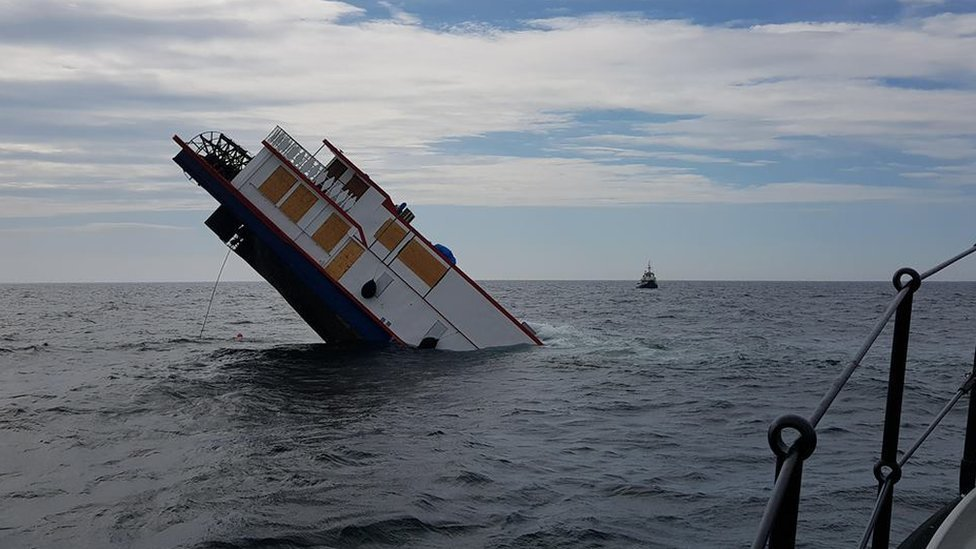 Paddle steamer MV Oliver Cromwell sinks off Anglesey coast
