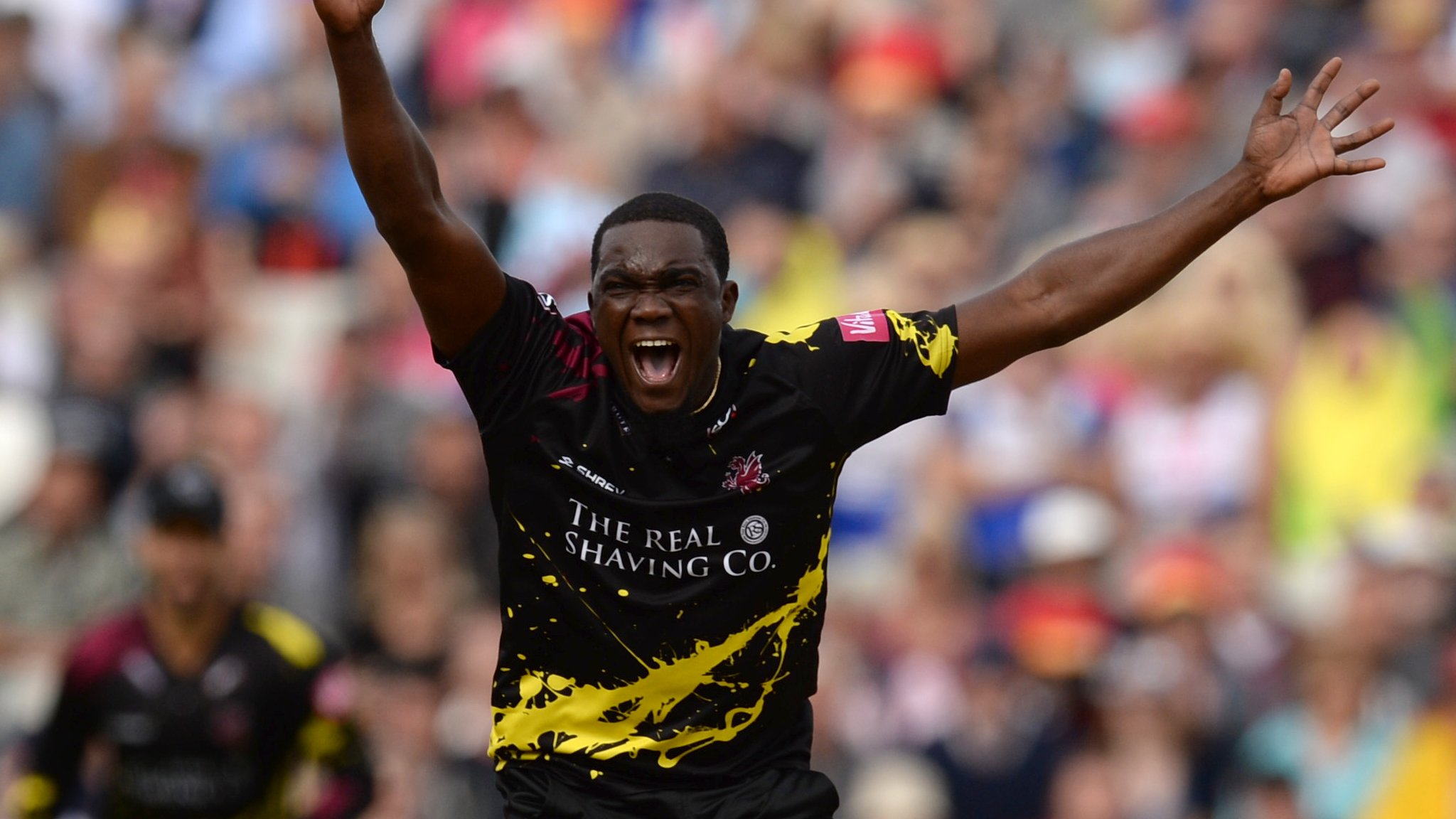 Jerome Taylor: Somerset re-sign West Indies fast bowler for T20 Blast