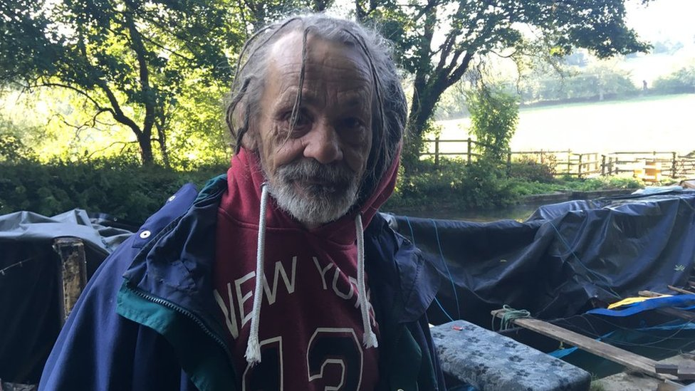Canal boat 'sank by stag party' near Bradford-on-Avon