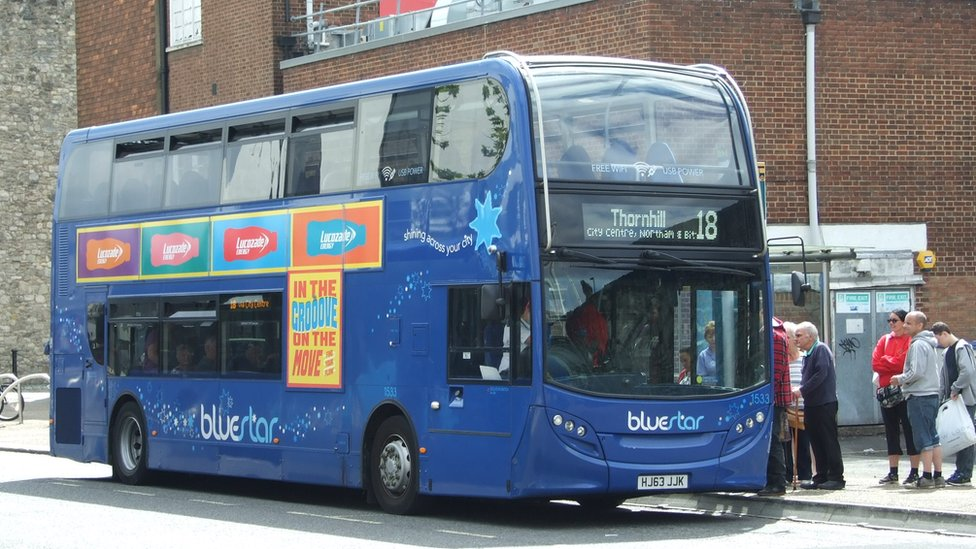 Hampshire bus drivers stage 24-hour walkout over pay