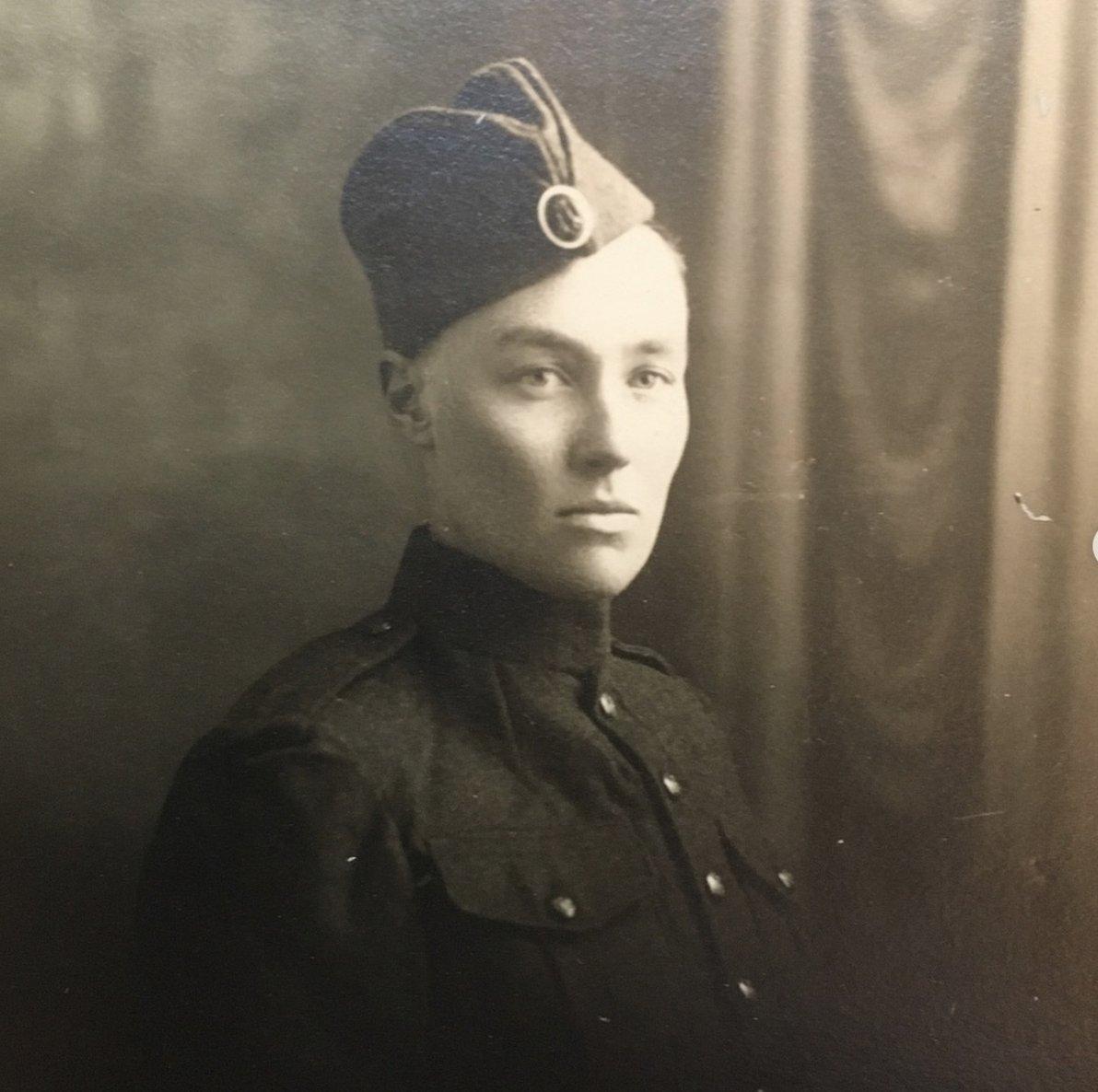 Džo Vajthed u uniformi