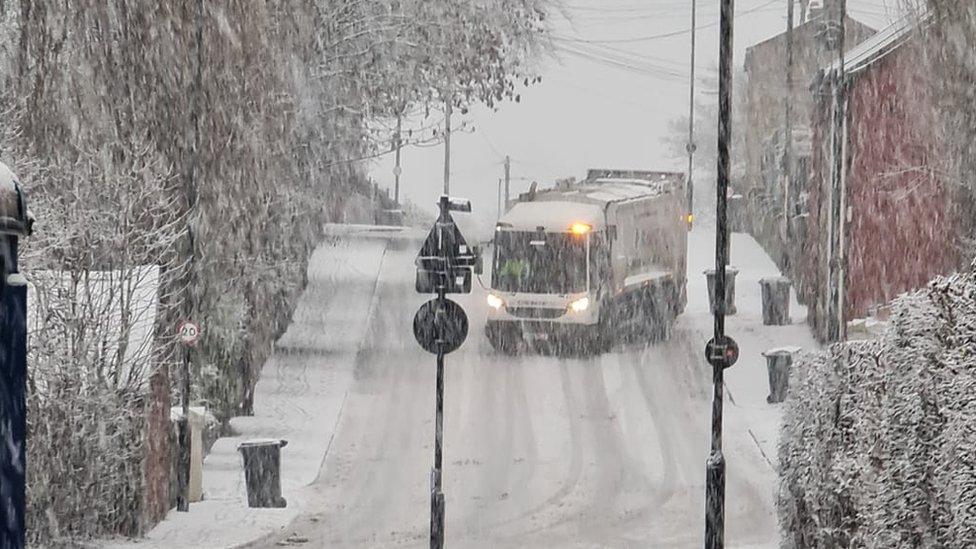 Bin lorry struggling to cope in Sheffield