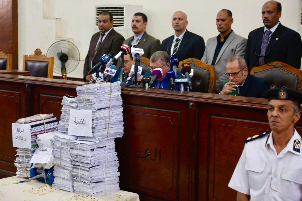 ترأس القاضي حسن فريد جلسة المحاكمة، المعروفة باسم فض احتجاجات رابعة العدوية، في محكمة جنايات القاهرة، في مصر. 8 سبتمبر/أيلول 2018
