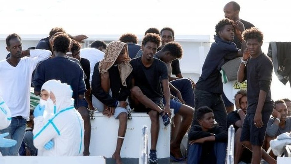 Italy migrant crisis: Government passes tough bill