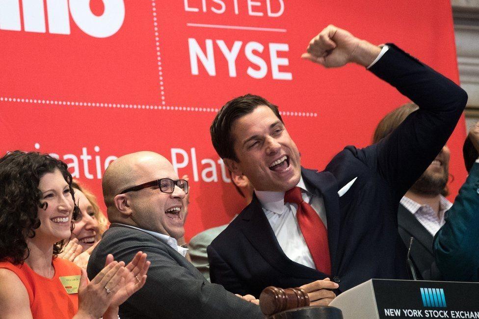 جيف لوسون وآخرين في بورصة نيويورك