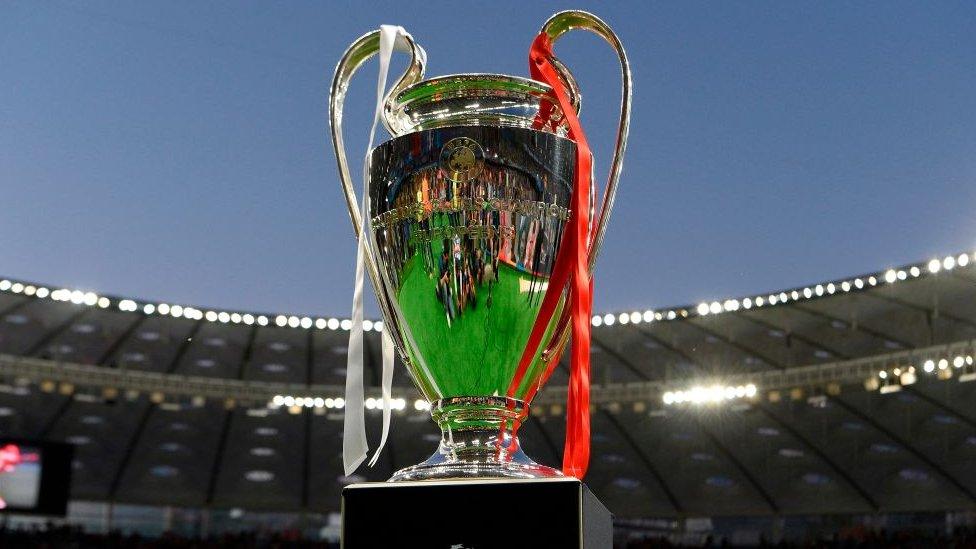 Trofeo de la Liga de Campeones.