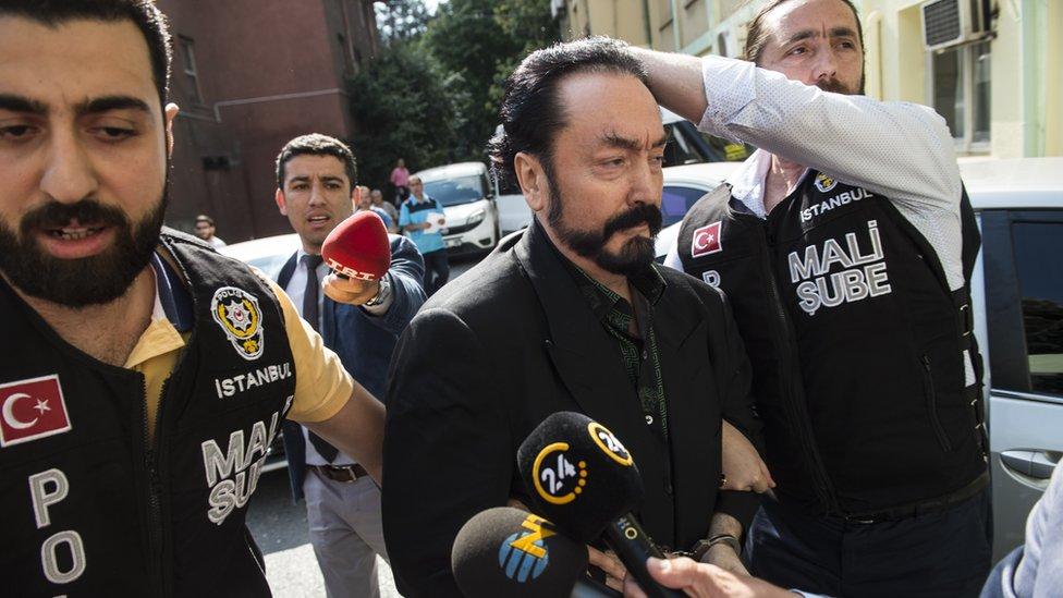 La detención de Adnan Oktar