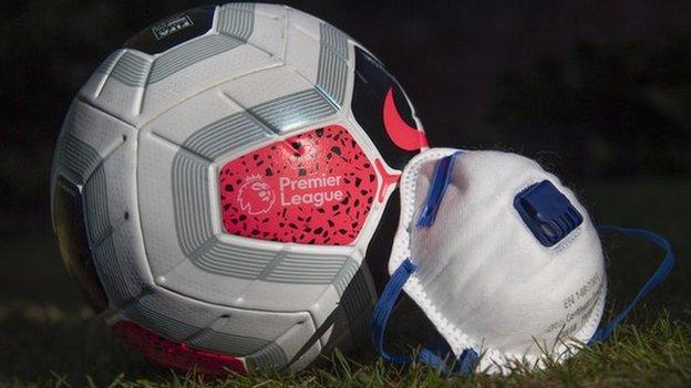 İngiltere Premier Ligi maçlarında kullanılan bir top