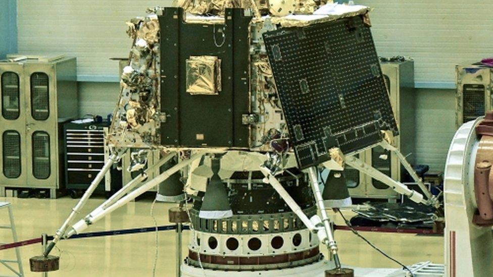 चंद्रयान-2 मिशन: लेकिन कोई भारतीय कब जाएगा चांद पर?