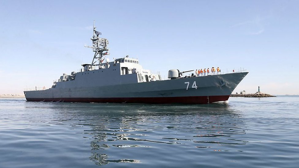 إيران تدشن مدمرتها البحرية سهند