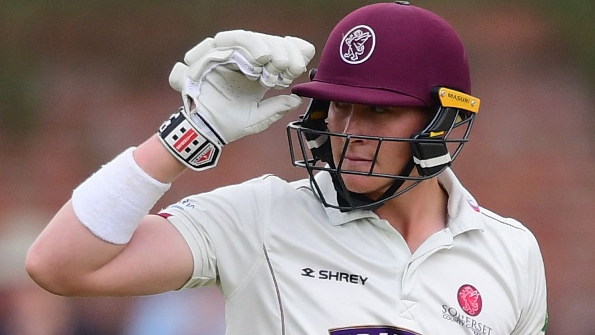 County Championship: Somerset chase 248 to beat Nottinghamshire and go top
