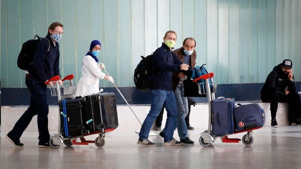 استؤنفت الرحلات الداخلية في الجزائر لكن لا يزال الناس غير قادرين على الحضور من الخارج