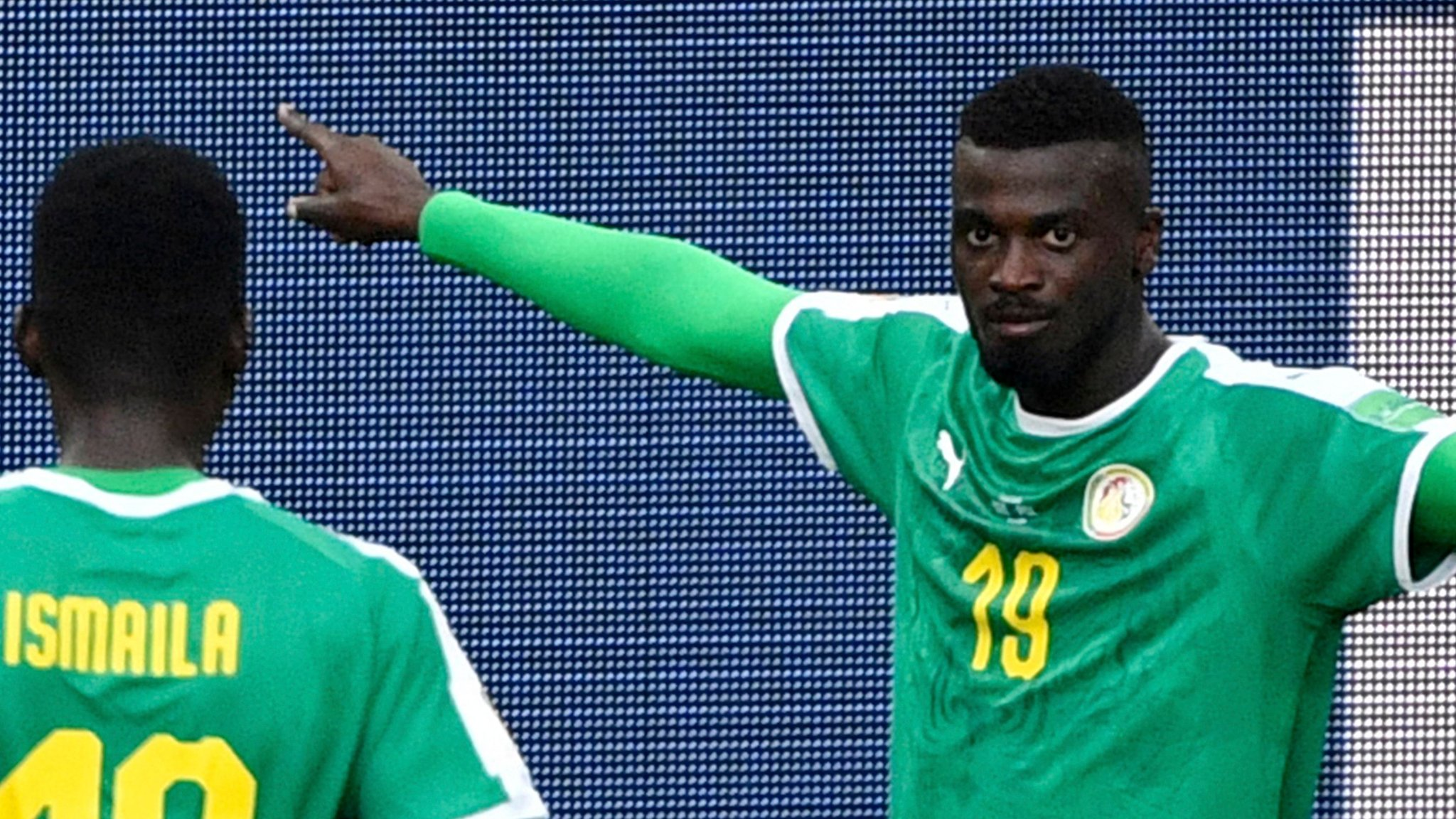 Controversial goal as Senegal beat Poland - highlights & report