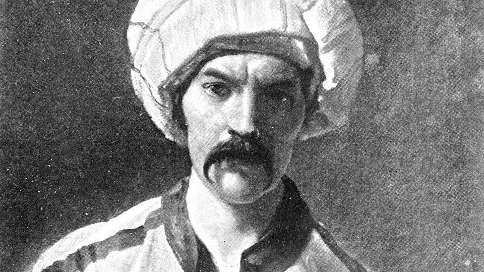 Bёrton v kostюme Mirzы Abdullы.