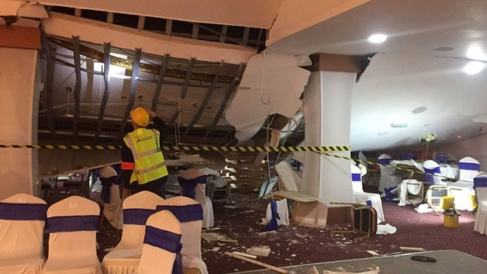 The ceiling after the collapse