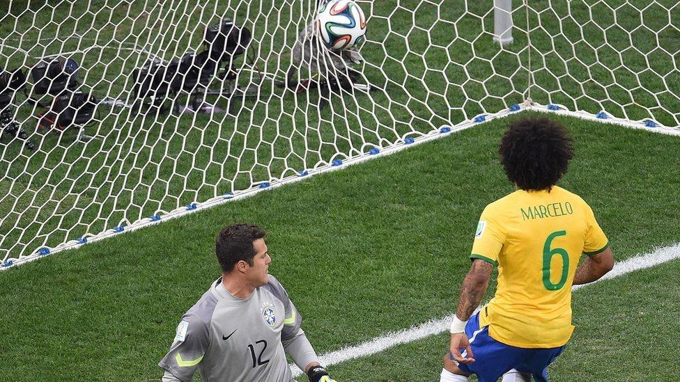 Marcelo marcando el gol en contra en 2014