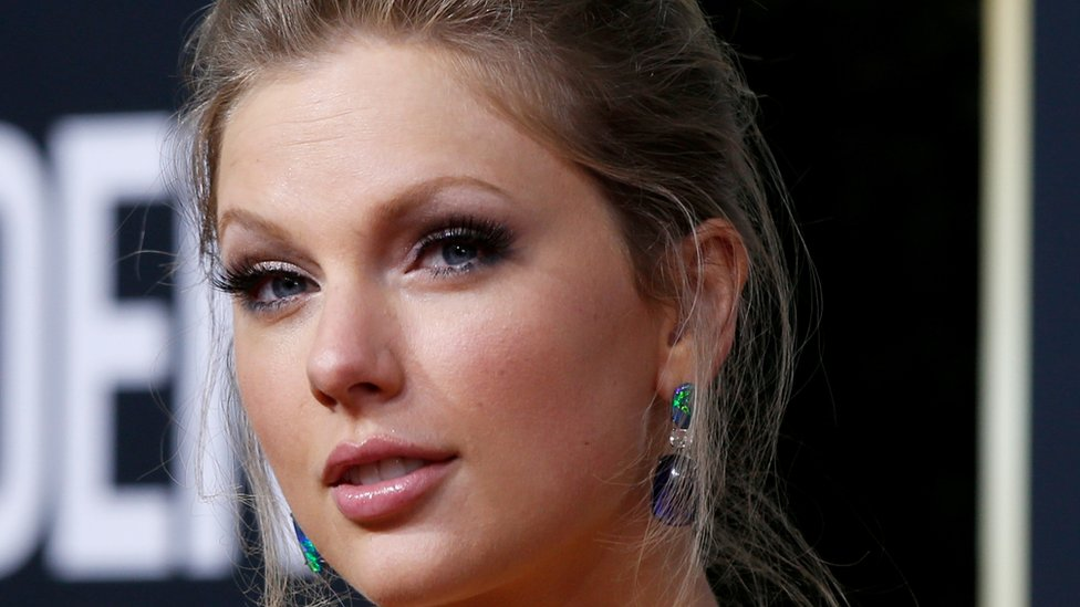 Taylor Swift gives fans sneak peak of re-recorded song