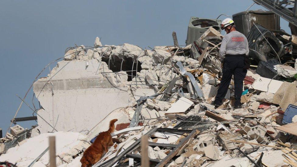 Derrumbe parcial de las Champlain Towers.