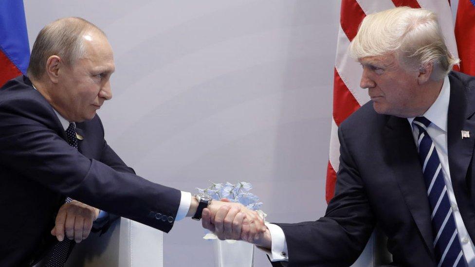 Putin y Trump se vieron por primera vez con motivo de una cumbre del G20 en Hamburgo.