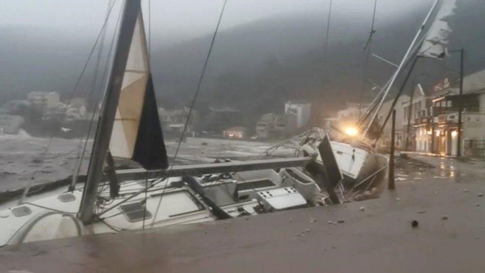 المراكب الراسية على شواطئ كيفالونيا كانت هدفا للإعصار
