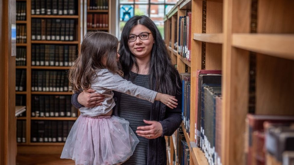 Pregnant at Oxford University: Juggling motherhood with studying