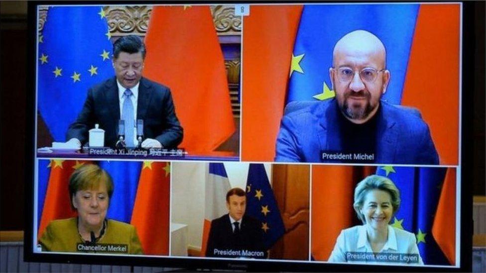 2020年12月30日,習近平通過視頻連線和歐盟領導人及德國總理默克爾、法國總統馬克龍舉行會晤,中歐共同宣佈完成了投資協定談判。