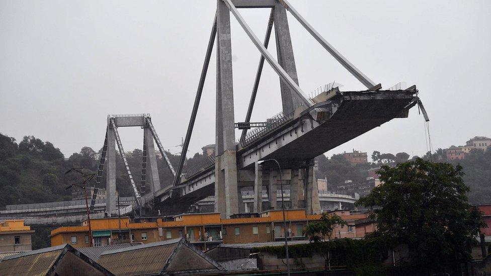 Обвал мосту в Генуї: кількість жертв зросла до 35