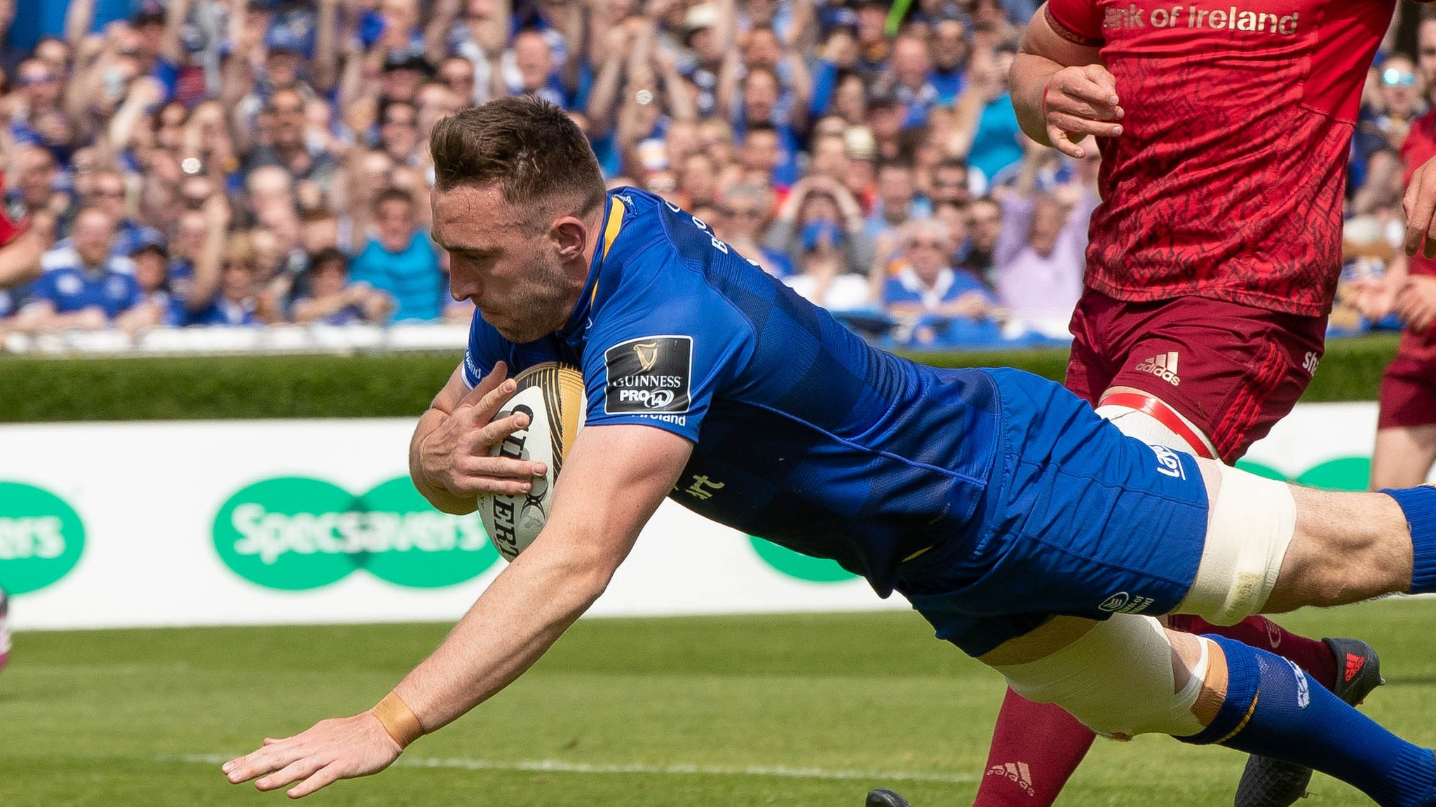 Leinster edge past Munster into Pro14 final