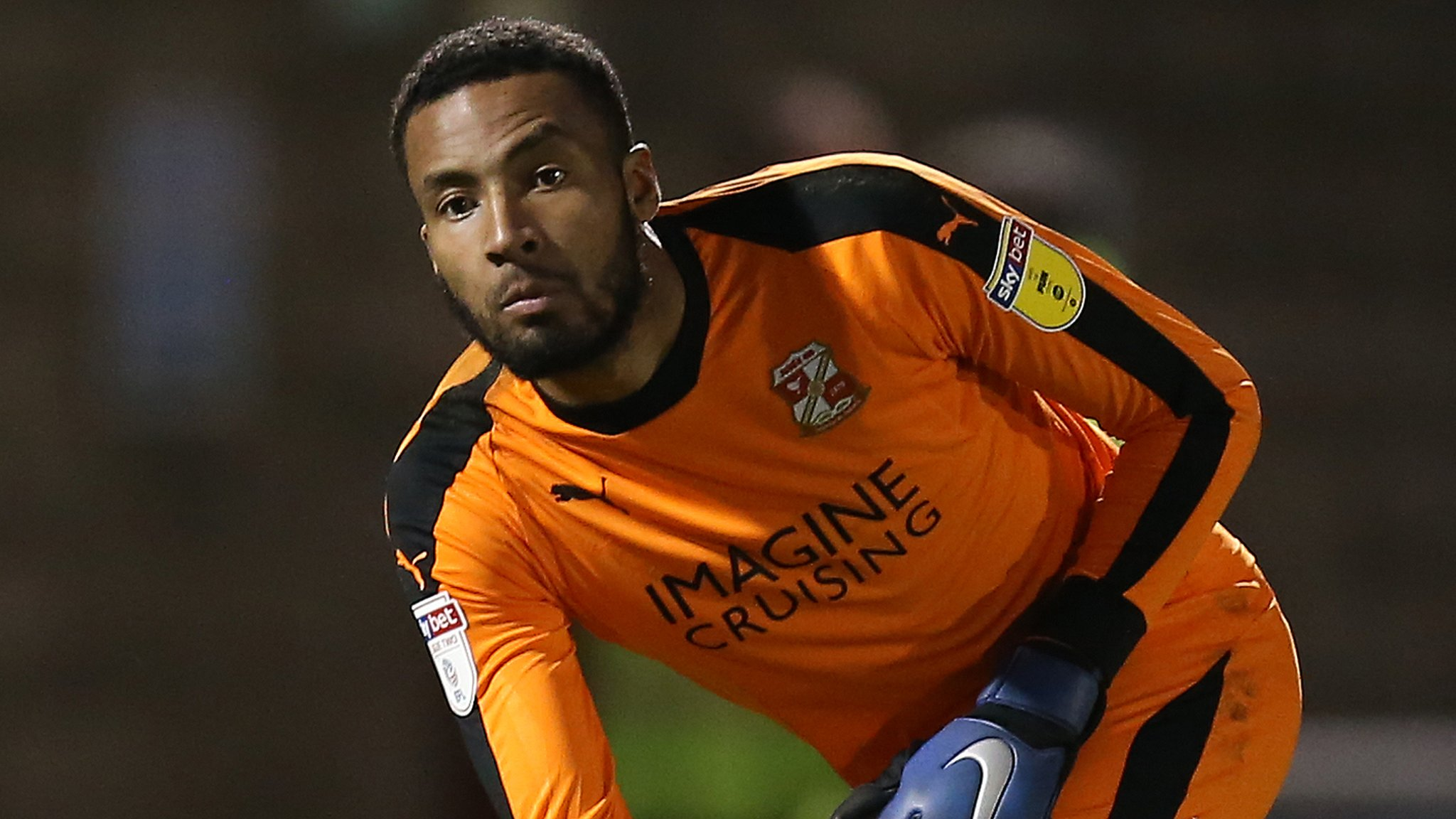 Swindon Town release 10 players including Vigouroux & Dunne