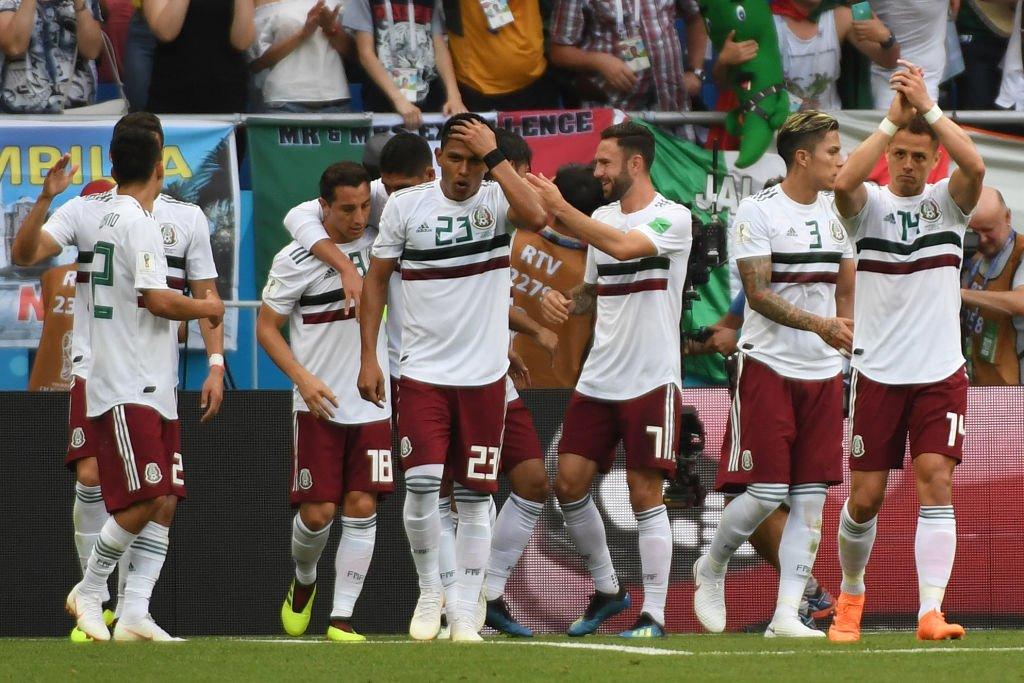 La banda de Osorio. México gana merecidamente al final del primer tiempo.