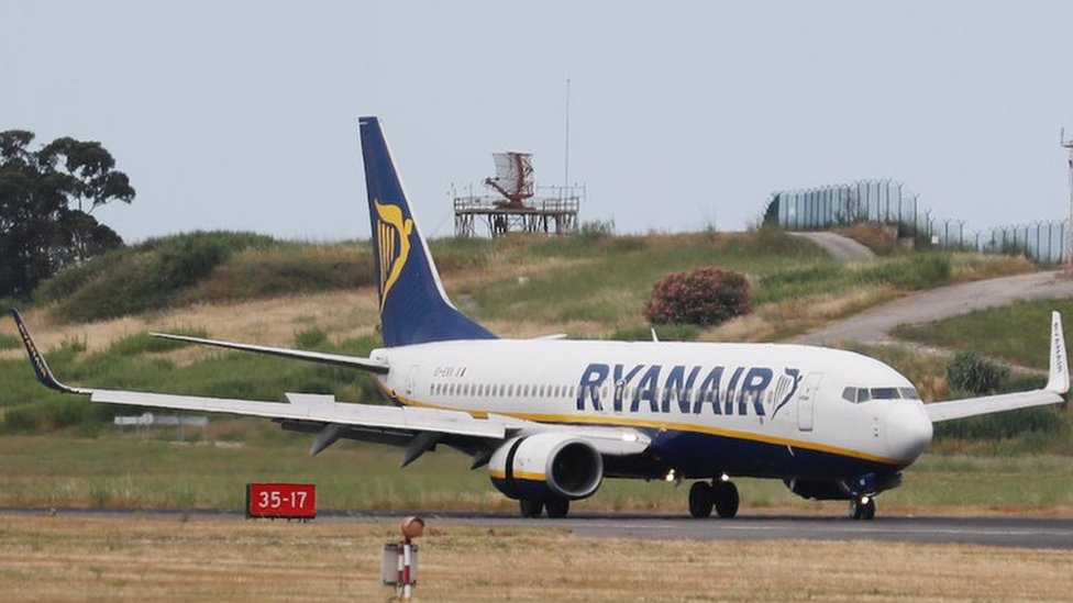Ryanair compensation cheques with no signatures 'bounced'