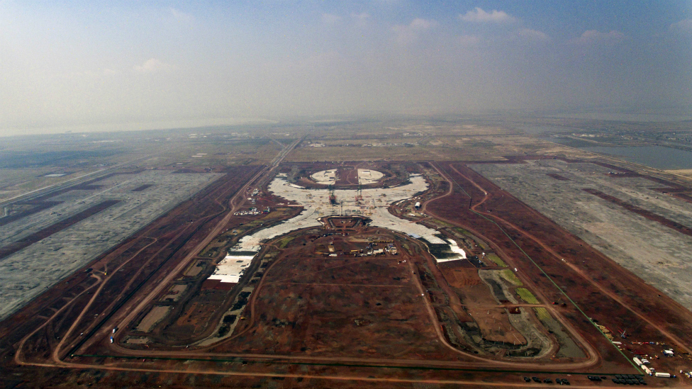 Las obras del nuevo aeropuerto llevan cuatro años de retraso.