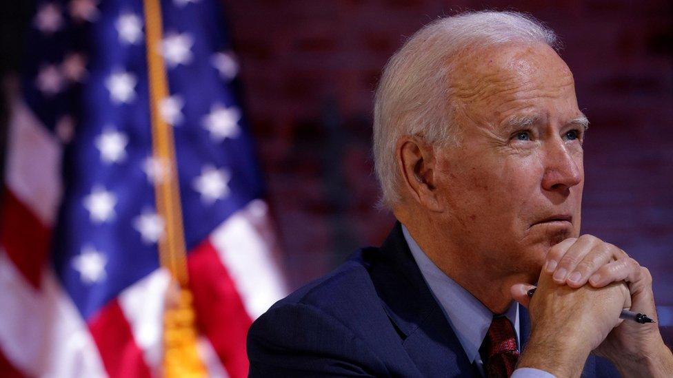 喬·拜登(Joe Biden)在特拉華州威爾明頓出席一場有關新冠病毒疫情的簡報會(28/10/2020)