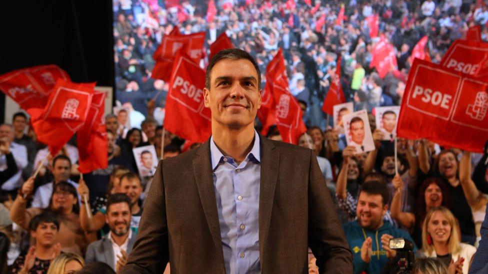 Pedro Sánchez durante un acto de campaña en Pamplona.
