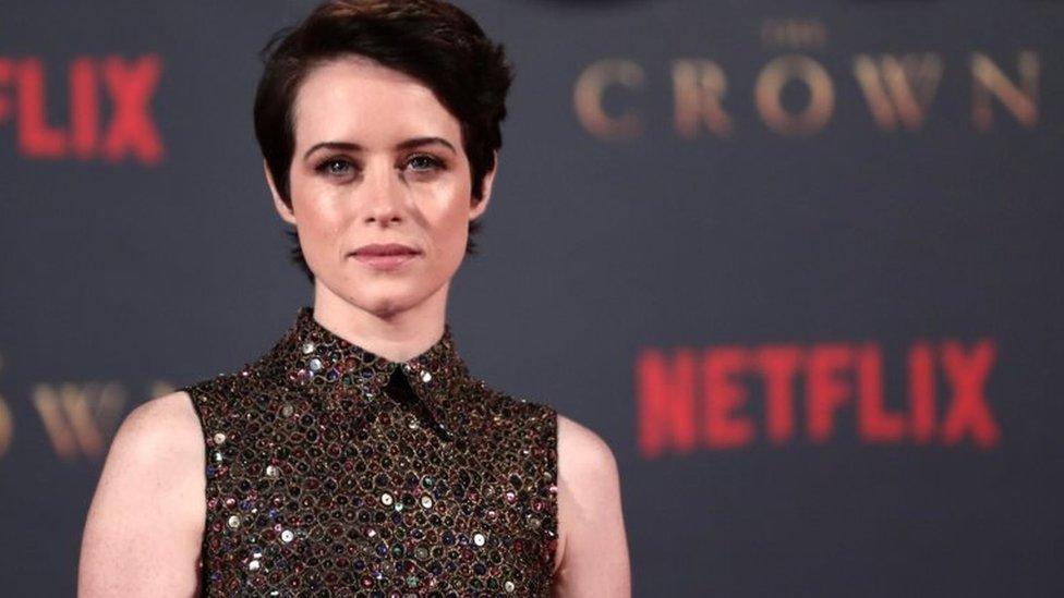 """La actriz británica Claire Foy fue nominada a los Emmys de este año por su papel como la reina Isabel II en """"The Crown""""."""