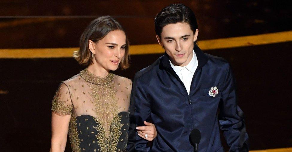Natalie Portman ve Timothee Chalamet