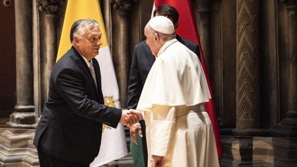 فيكتور أوربان والبابا فرانسيس