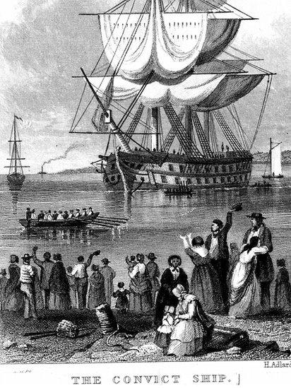 Imagen que recrea la salida de un barco cargado con presos desde Inglaterra hacia Australia.