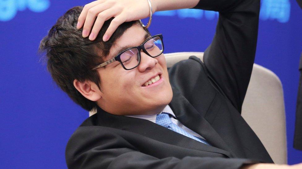 """اللاعب الصيني """"كي جي"""""""