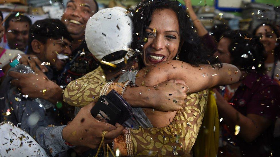 Pripadnici LGBT zajednice slave odluku Vrhovnog suda u Mumbaju