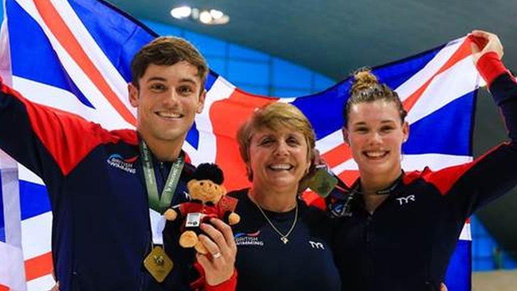 Diving World Series: Tom Daley & Grace Reid win mixed 3m synchro gold in London