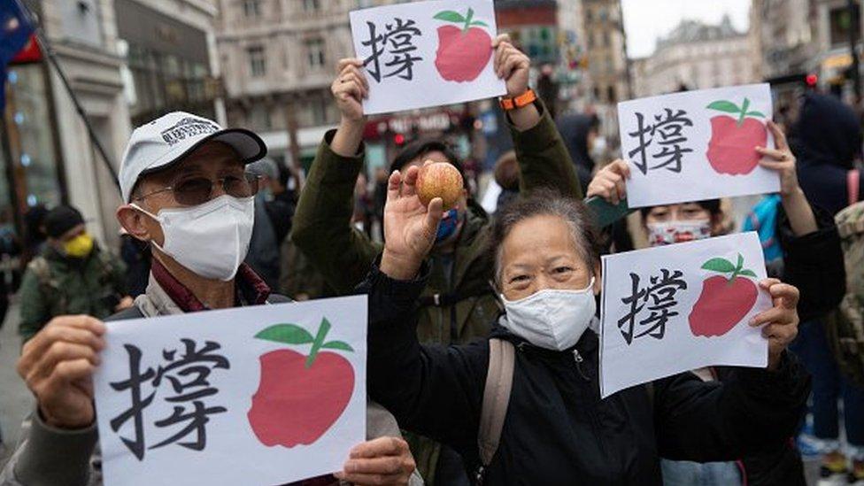 Разгром либеральной прессы Гонконга: газете Apple Daily грозит закрытие