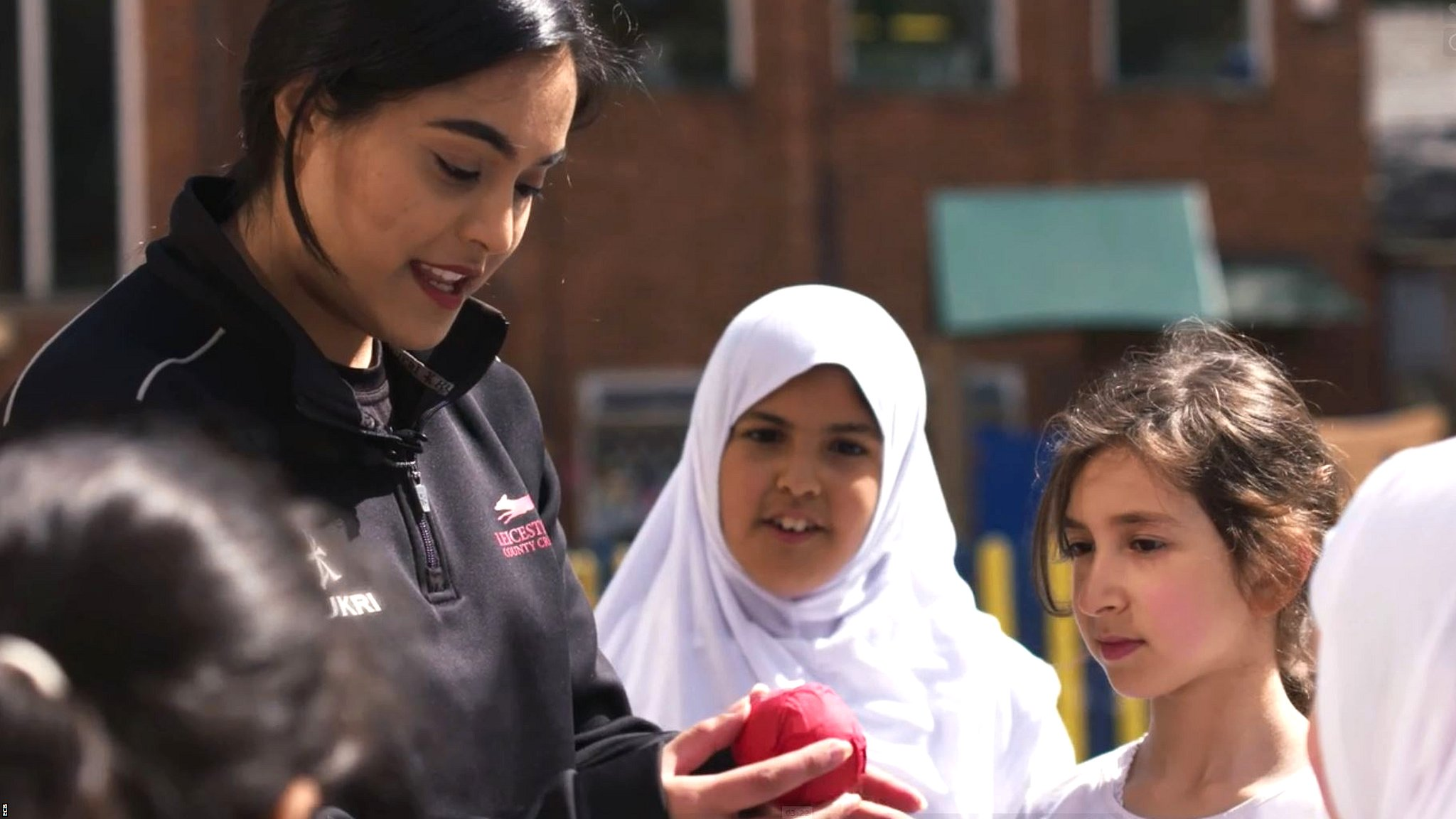 #ChangeTheGame: How Amna Rafiq is getting more South Asian girls into cricket