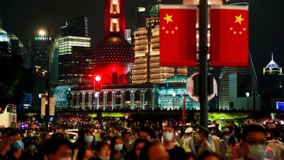 Crowds of people on Nanjing Road in Shanghai