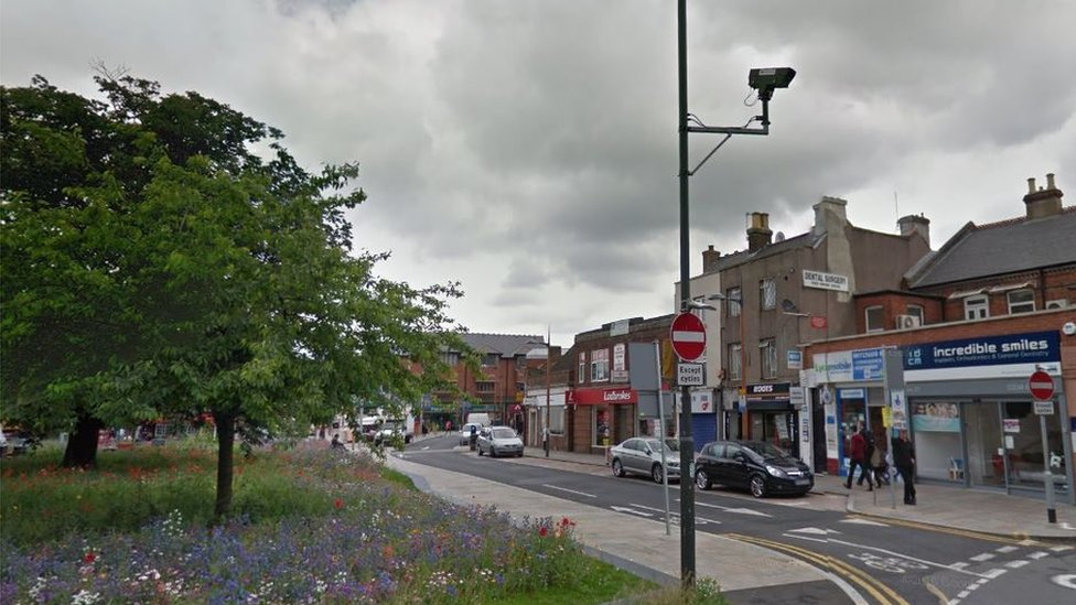 Mitcham stabbing: Man in his 20s killed