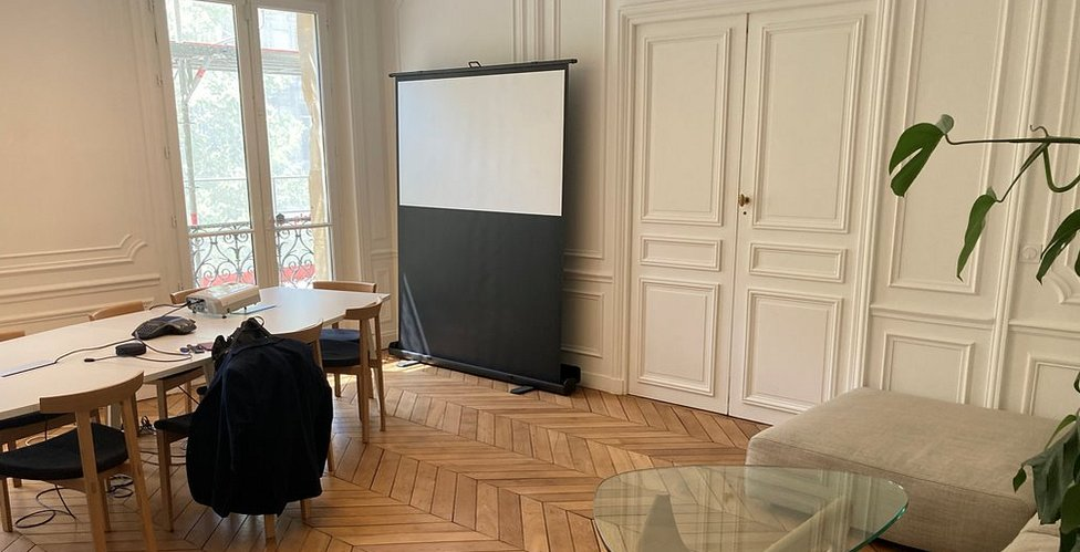 Famous room on Boulevard Haussmann mentioned in Thunderball
