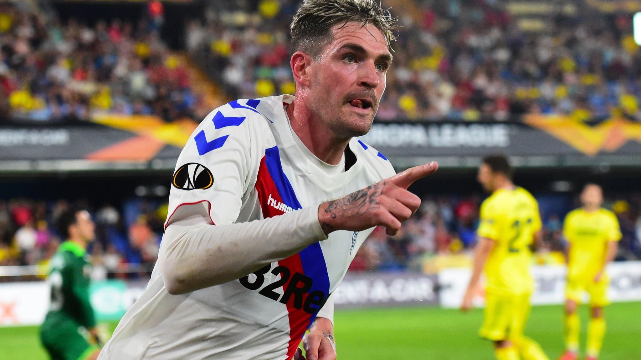 Europa League: Villarreal 2-2 Rangers - Kyle Lafferty gives Gerrard's side a draw