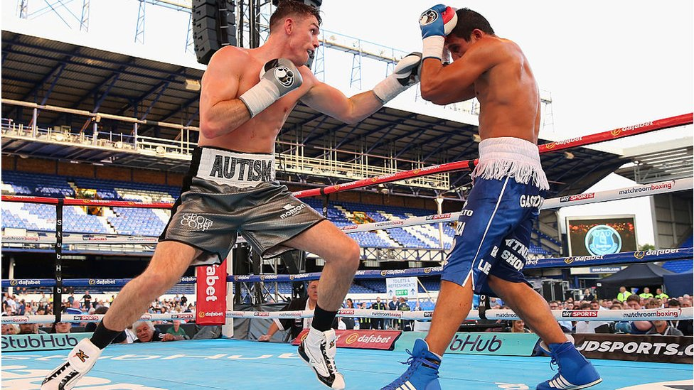 Callum Smith lands a left shot on Cesar Hernan Reynoso